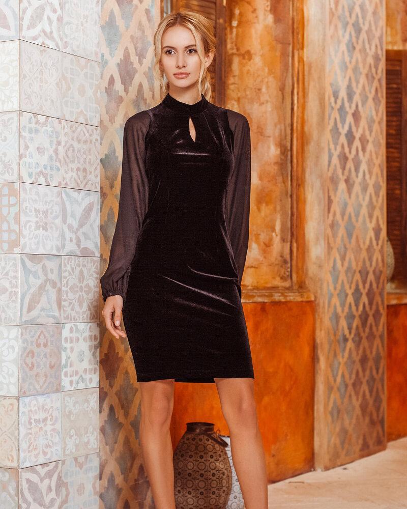 Приталенное велюровое платье фото