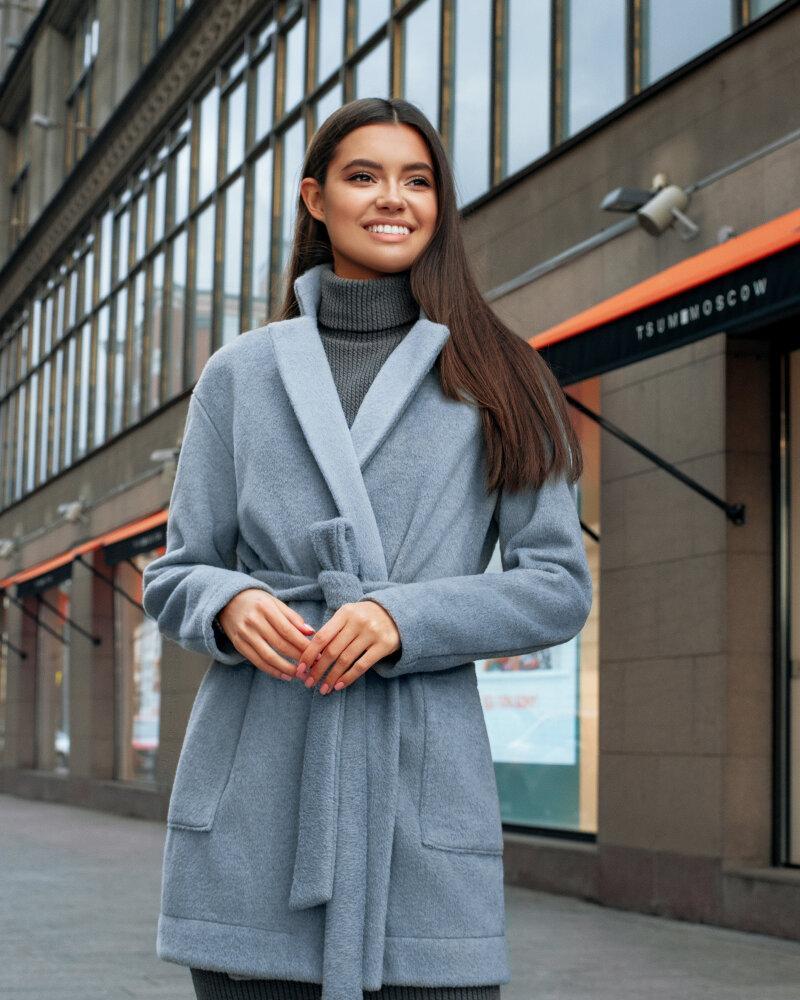 Пальто ніжно-блакитного кольору от Gepur
