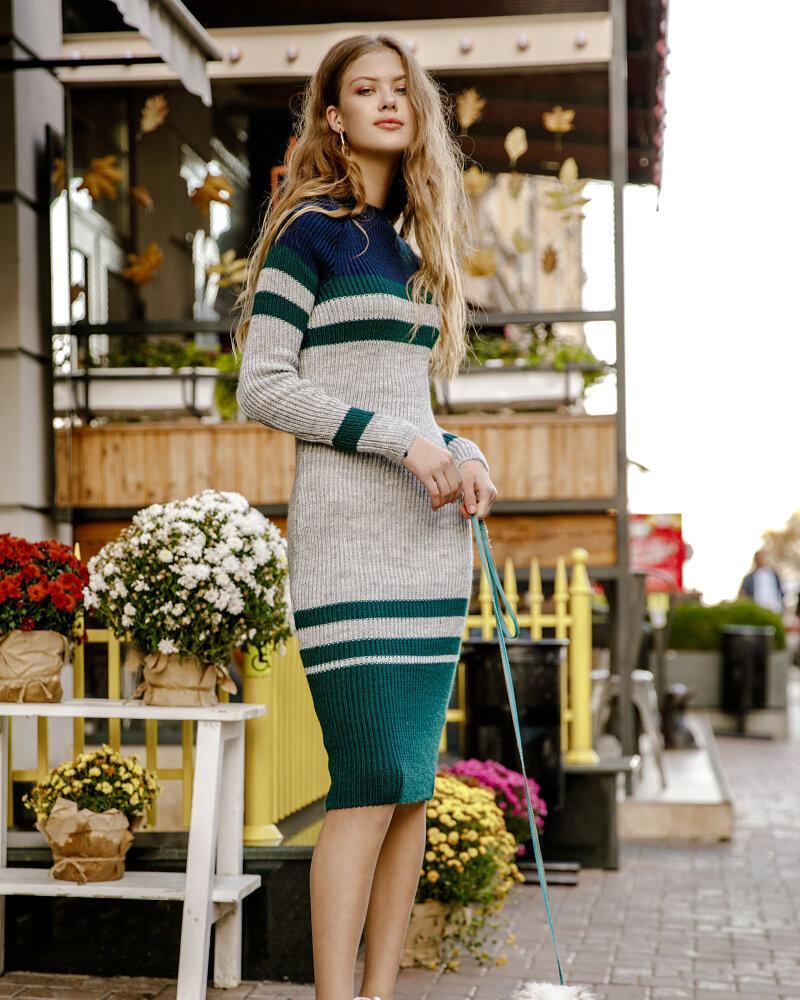 Платье-джемпер в полоску фото