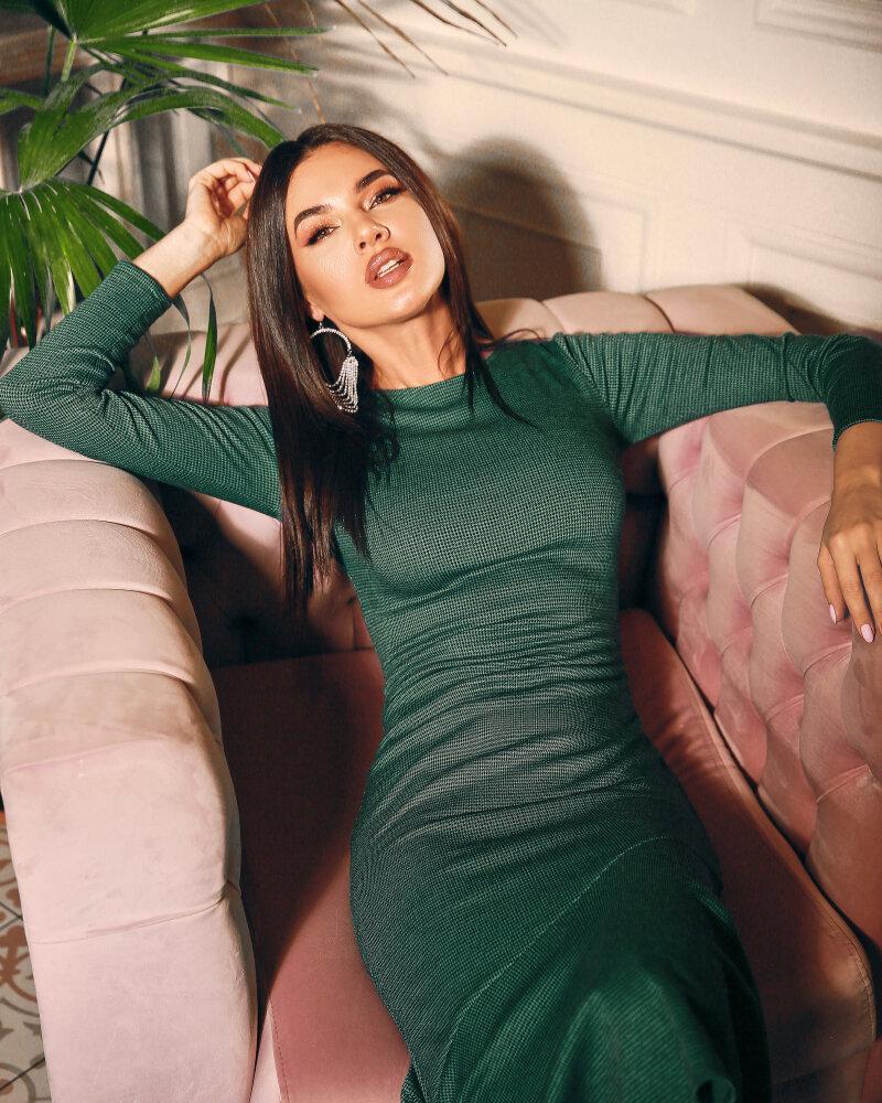Утонченное приталенное платье фото