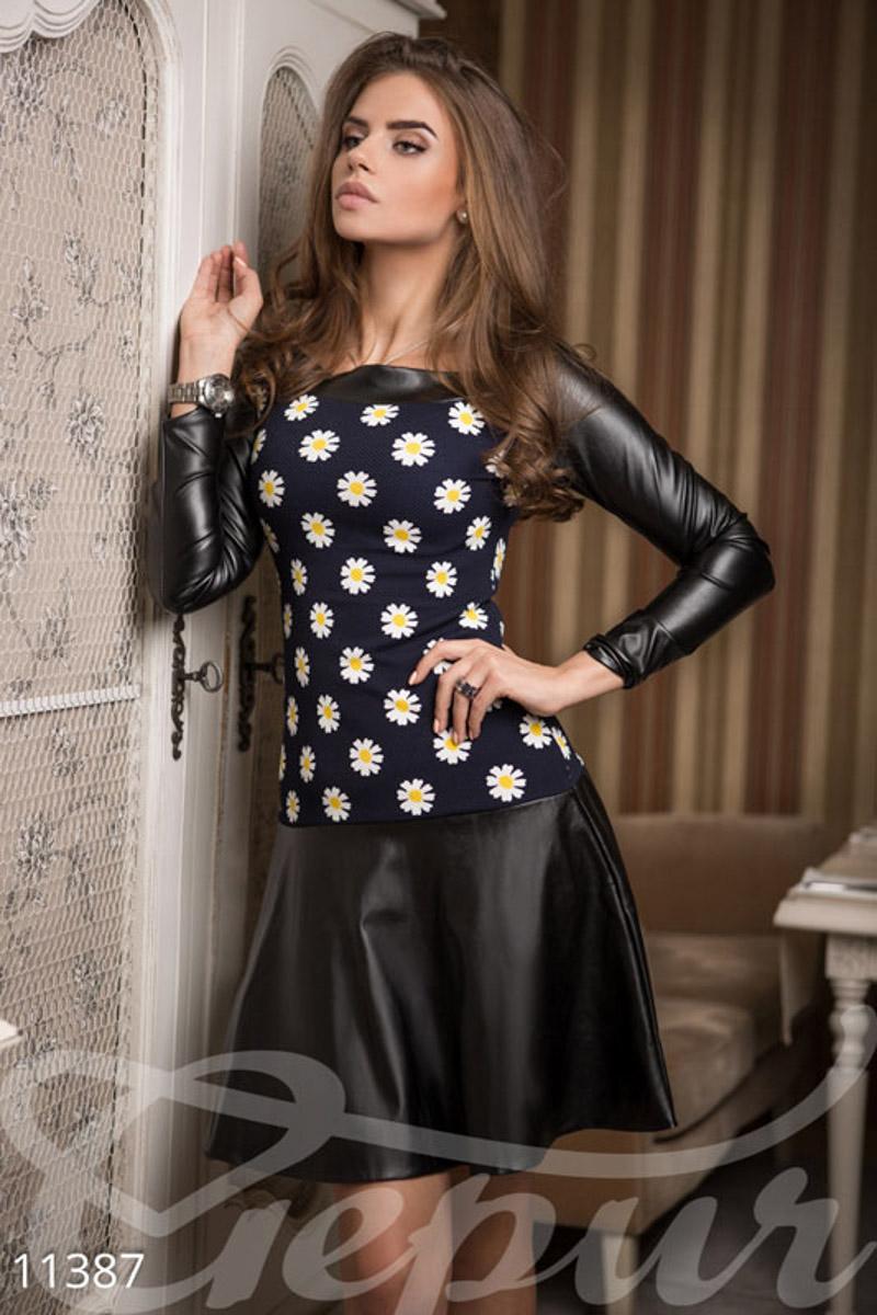 Миле весняна сукня міді з довгими рукавами. Трикотажний верх з фактурної