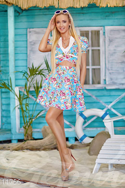 Colorful summer suit with floral print photo 1