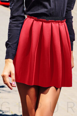 Red flared skirt photo 1
