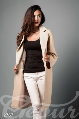 Beige coat oversize photo 1