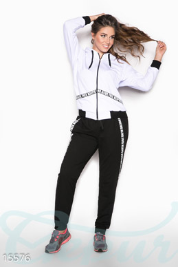Fashionable sports suit photo 1
