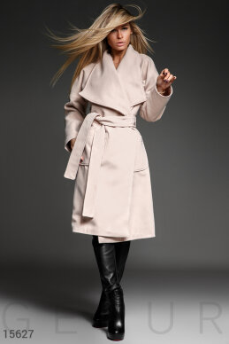 This fitted cashmere coat photo 1