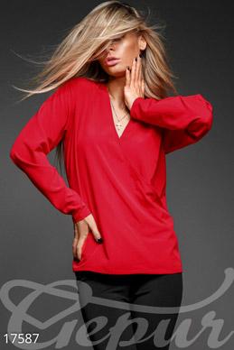 Feminine lightweight blouse photo 1