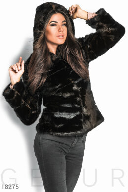 Cropped warm coat photo 1