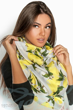 Silk printed scarf photo 1