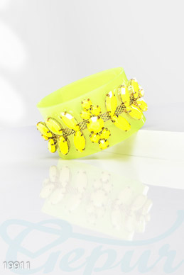 Beautiful plastic bracelet photo 1