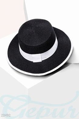 Classic straw hat photo 1