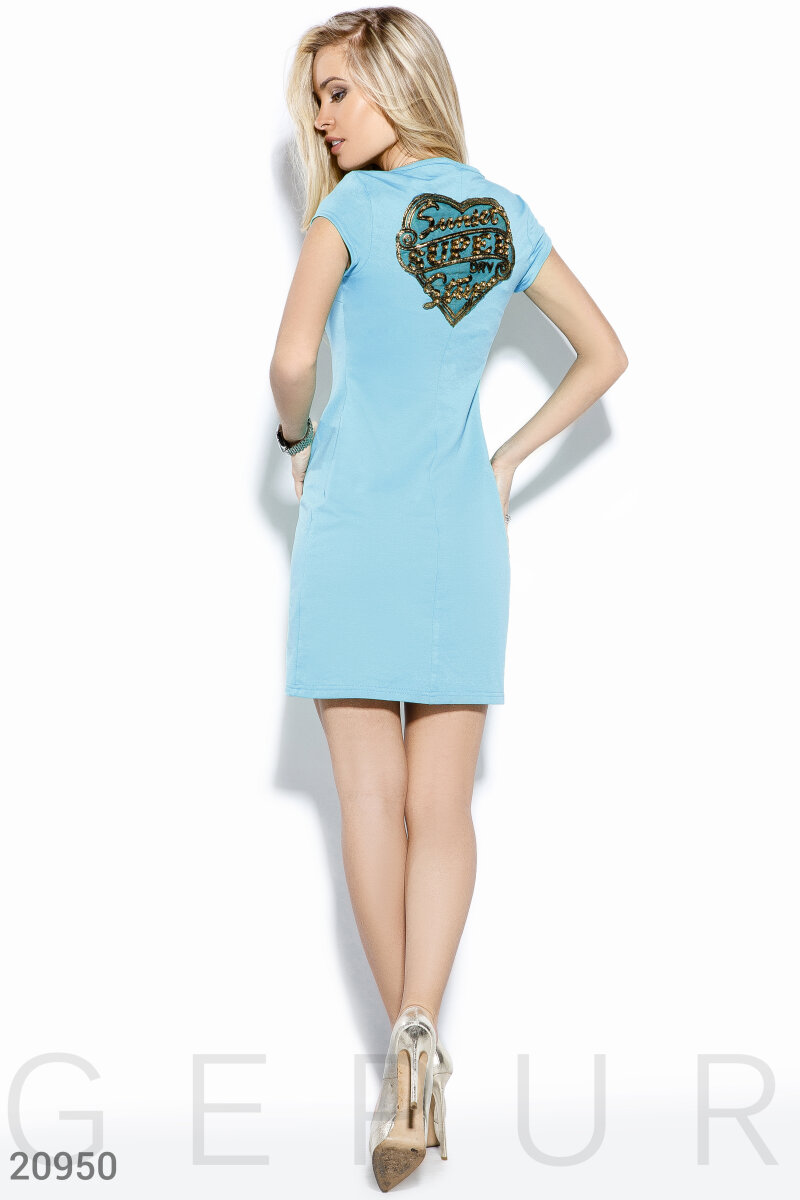 Лаконичное летнее платье