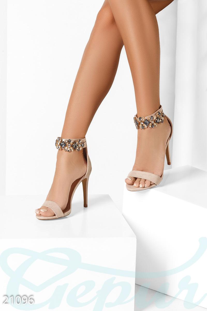 12698eb0b42062 Класичні жіночі босоніжки - купити оптом і уроздріб | GEPUR