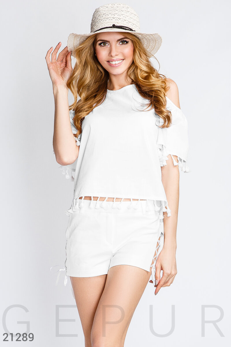 Blouse with POM-POM White 21289