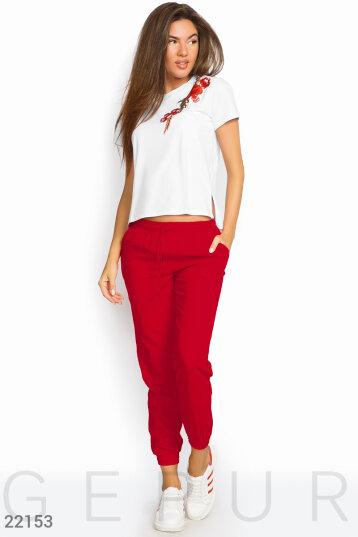 8b98f848028 Женские брючные костюмы красного цвета купить  оптом и в розницу в ...