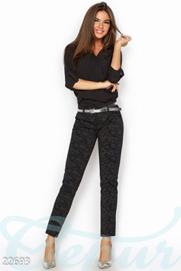 Pants with print photo 1