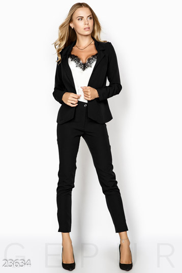 Women's business suit photo 1