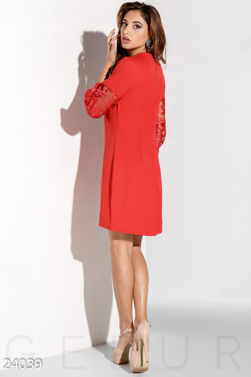 Dress with puffy sleeve