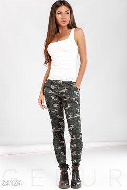 The fitted trousers military photo 1