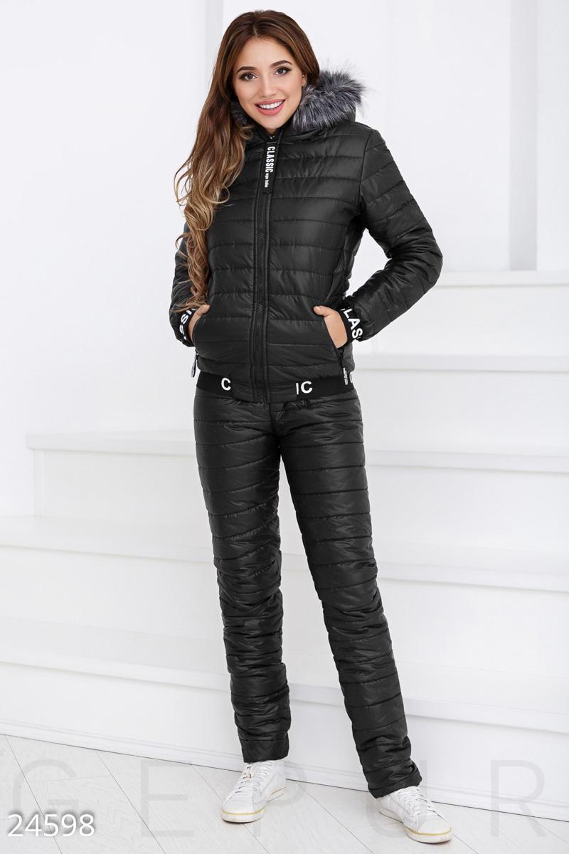 1ba40ebe1f2 Теплый стеганый костюм для зимнего периода  куртка с удобным капюшоном и  отделкой искусственным мехом