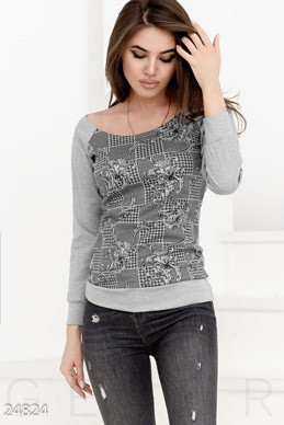 Women's knitted sweatshirt  photo 1