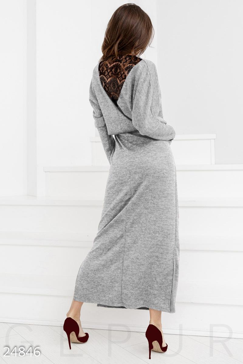 Теплое трикотажное платье