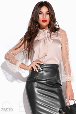 Striking silk blouse  photo 1