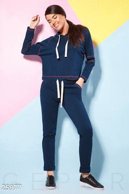 Contrast sweat suit  photo 1