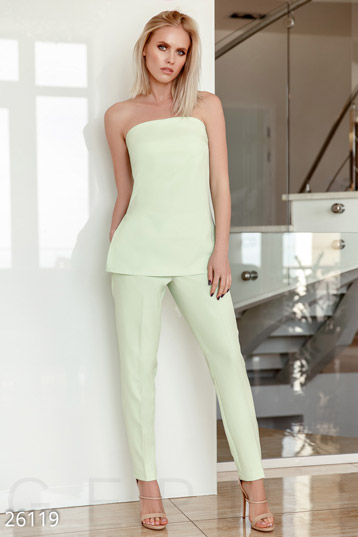 Outdoor pant suits  photo 1