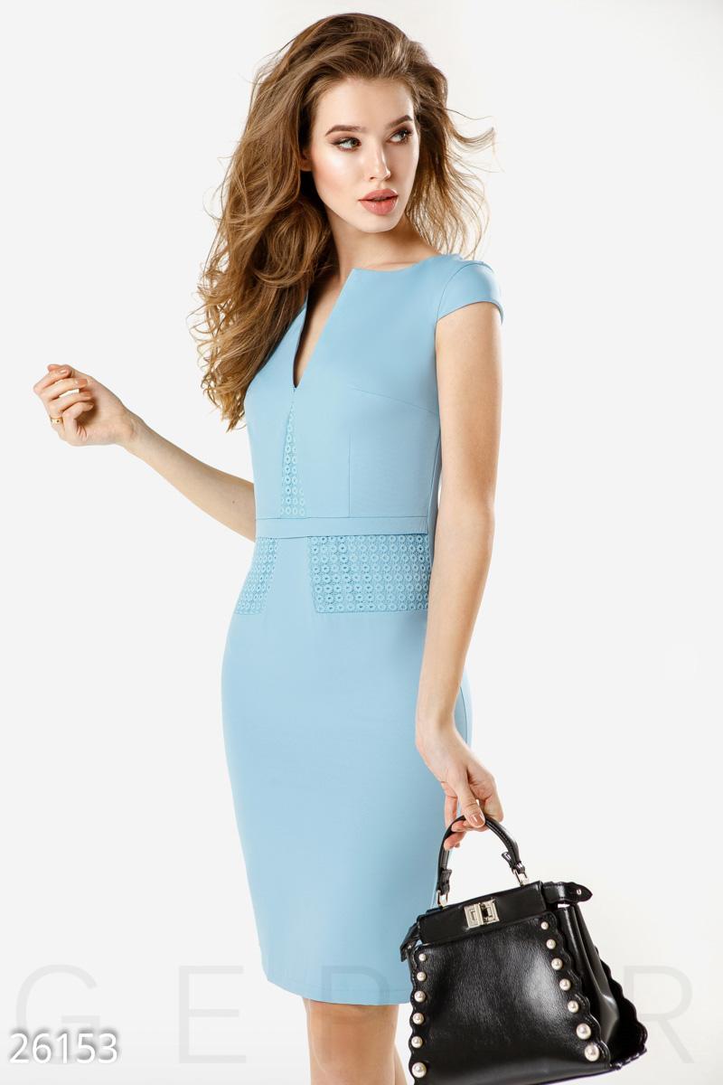 Лаконичное деловое платье