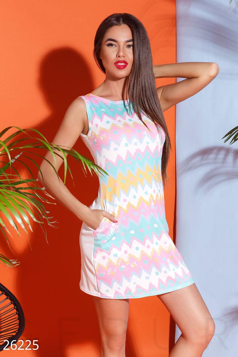 New Яркое летнее платье
