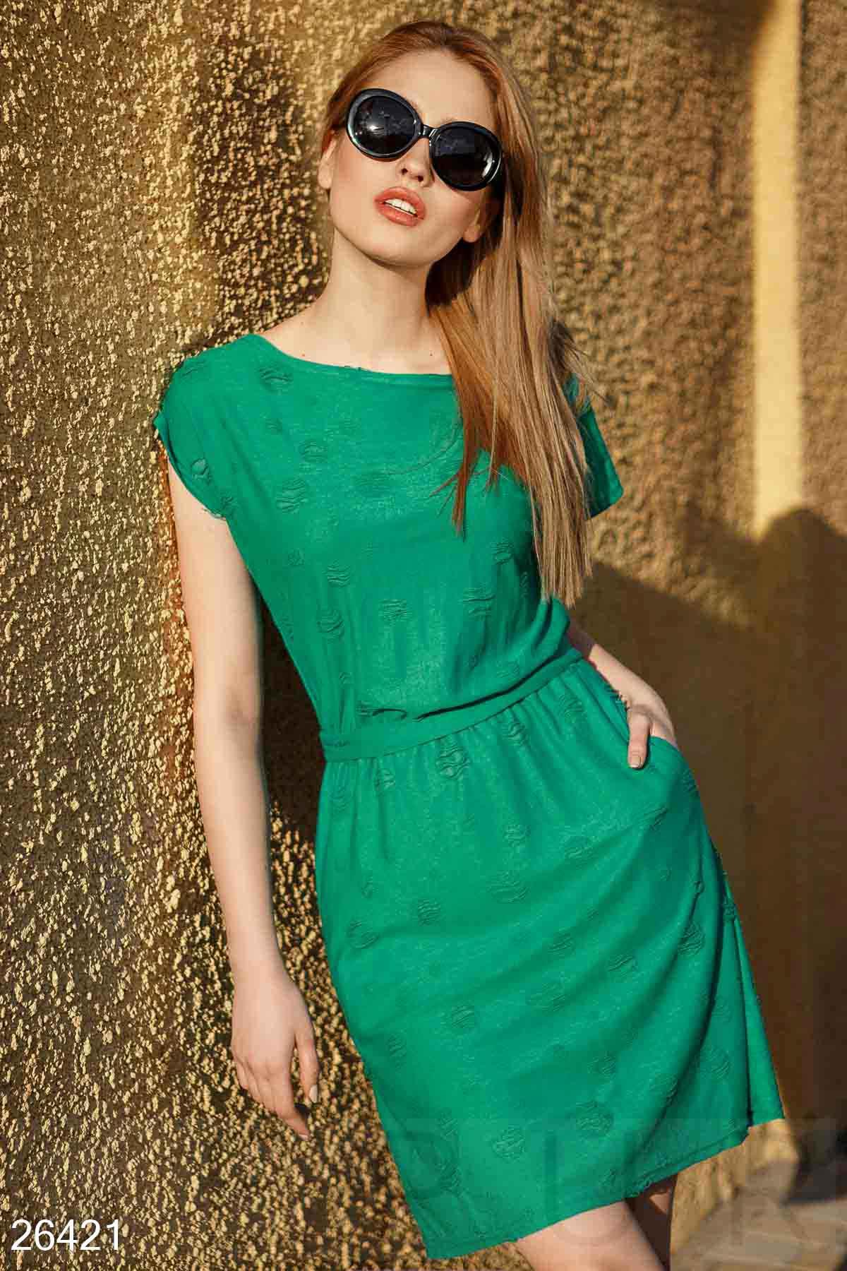 Короткое трикотажное платье