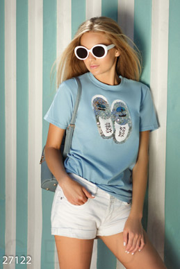 T-shirt with Slippers photo 1
