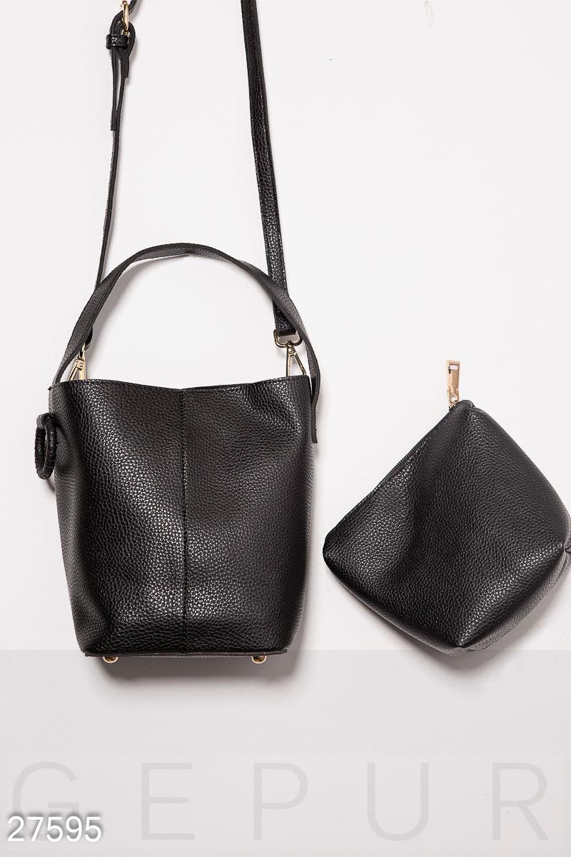 Небольшая женская сумка-бочонок с короткой ручкой 2b44611ce2274
