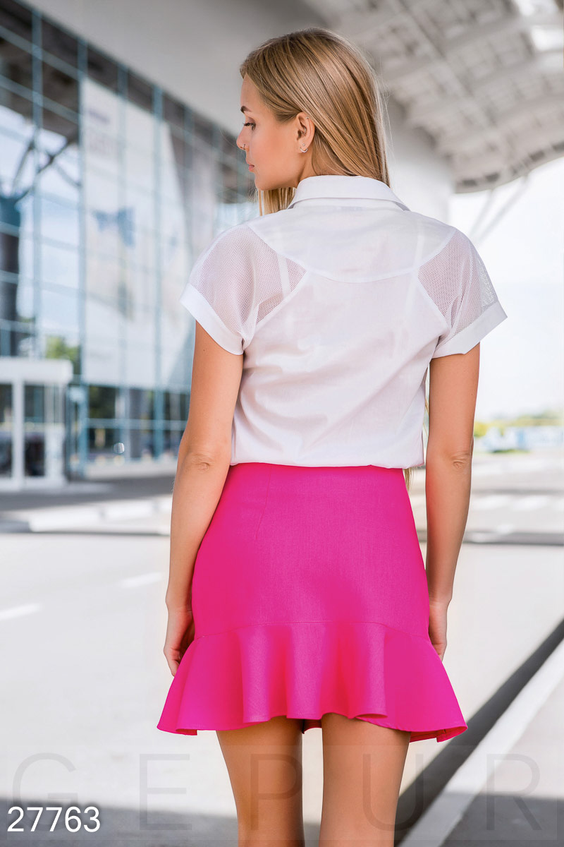 Bright skirt with flounce hem