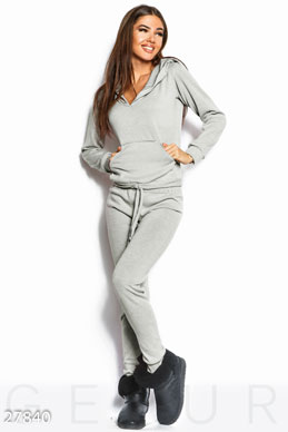 Walking tracksuit photo 1