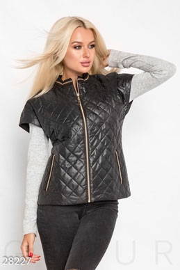 Short quilted vest photo 1