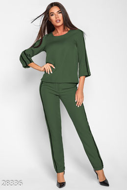 Trendy pantsuit photo 1