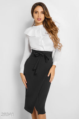 Elegant skirt with belt photo 1