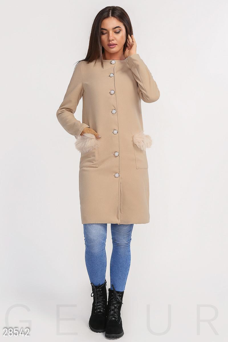Минималистичное пальто с мехом