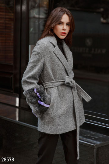 Short woolen coat photo 1