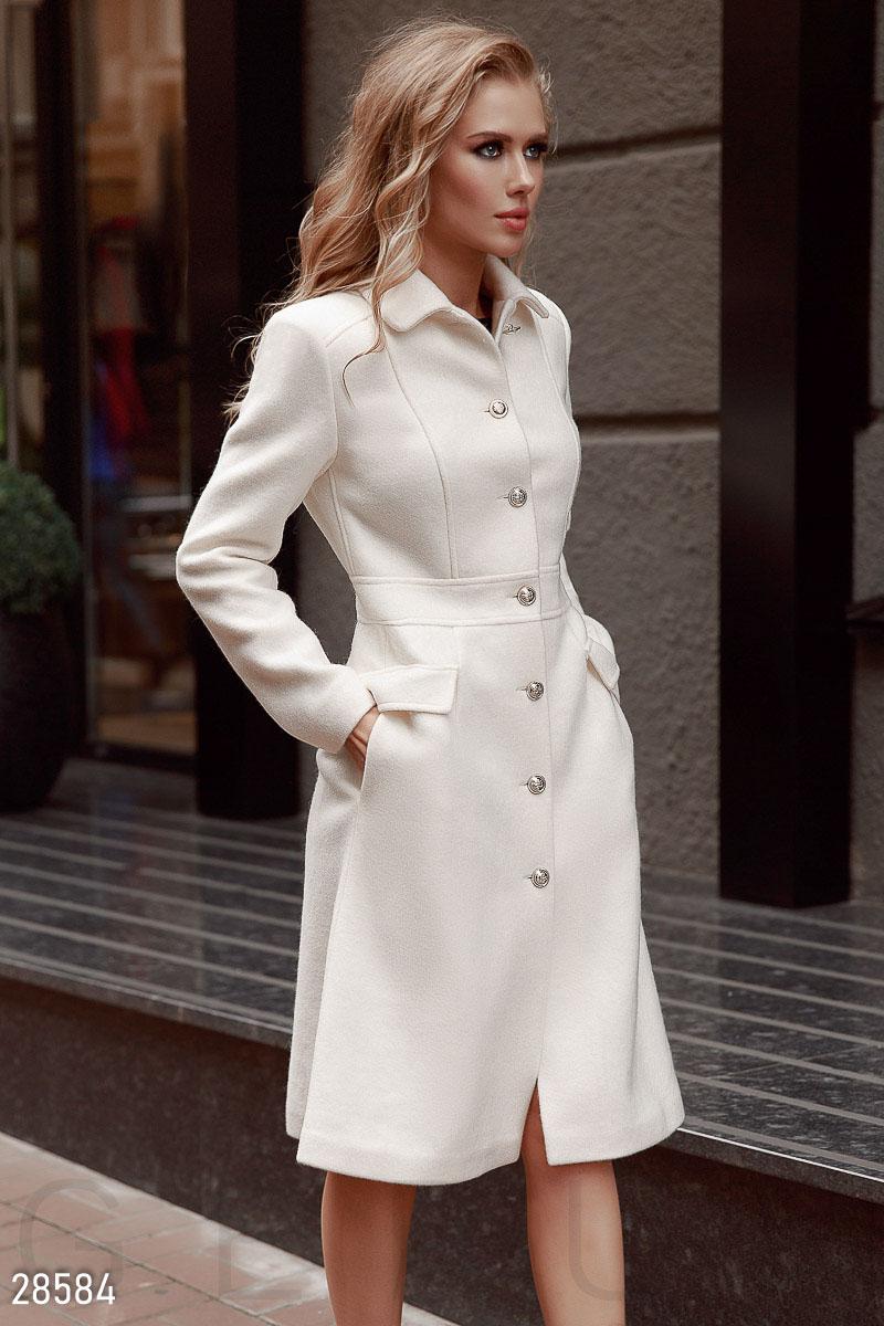 Силуэтное шерстяное пальто
