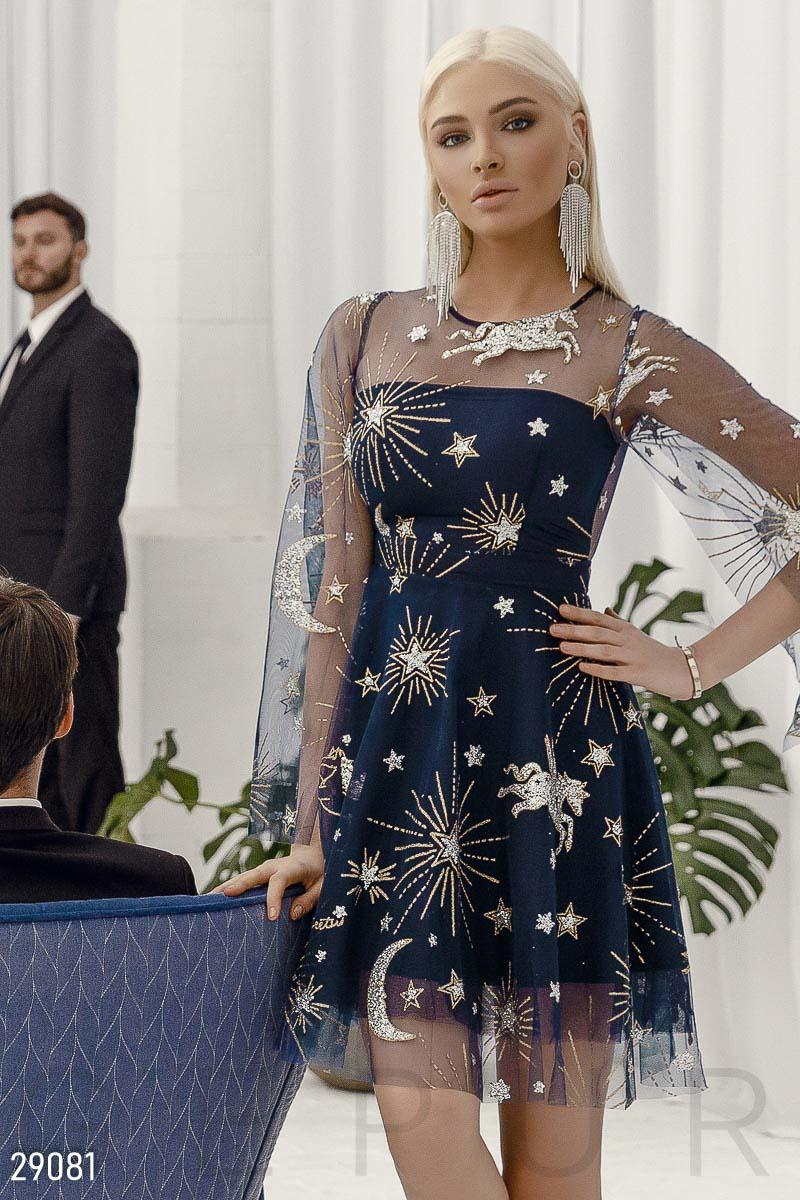 Платье с ярким декором
