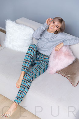 Warm knitted pants photo 1