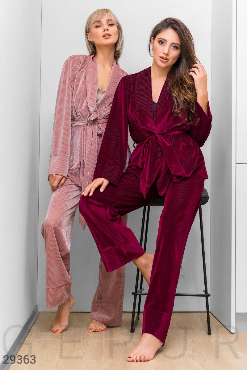 Пижама на запа́х винного оттенка