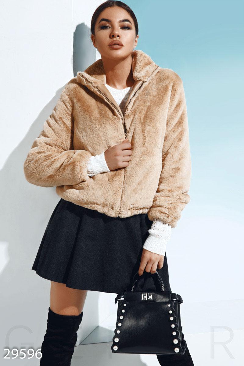 Трендовая меховая куртка