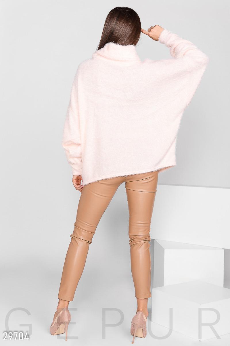 Свитер-oversize розового цвета