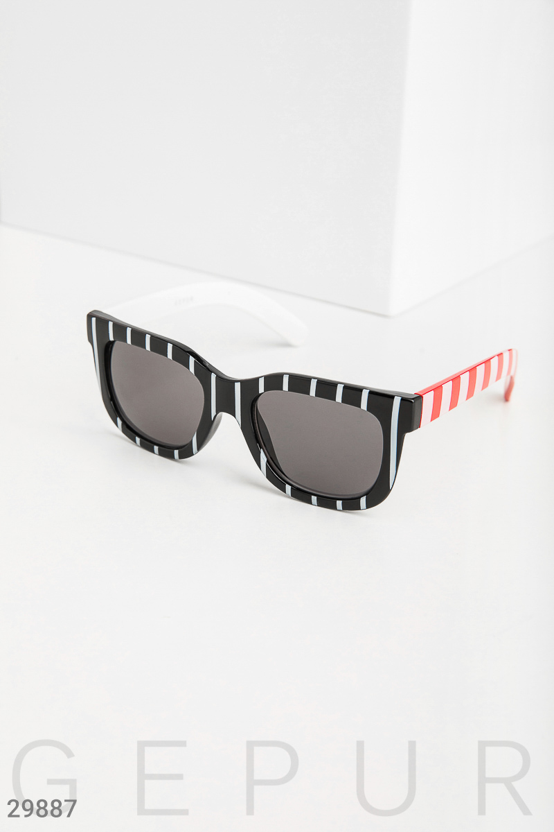 Glasses in striped frame Black 29887