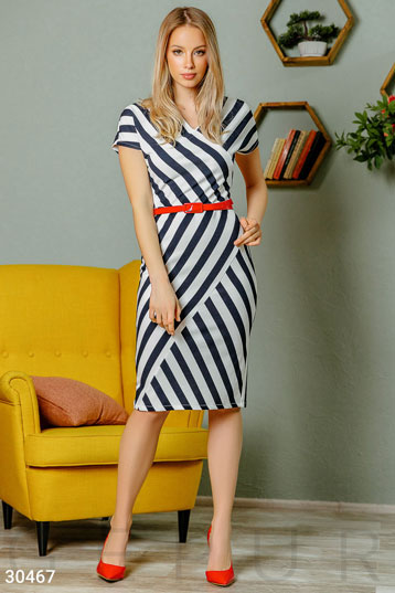 Spectacular striped dress photo 1