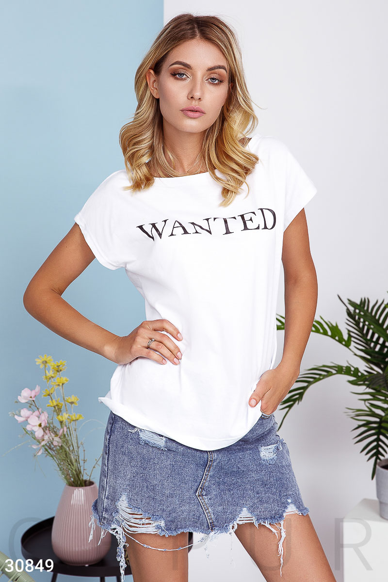 Повседневная футболка с надписью